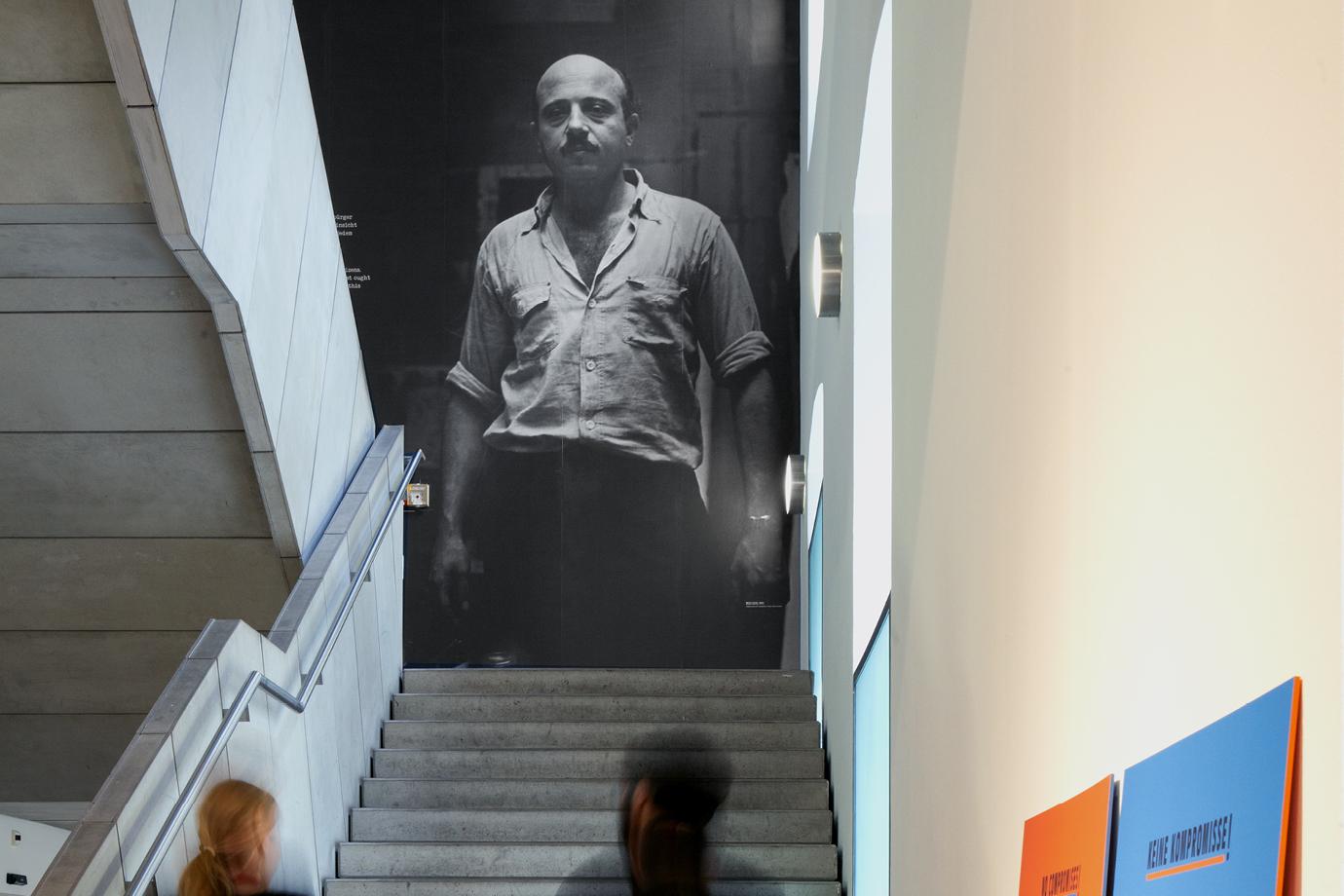 http://e-o-t.de/wordpress/wp-content/uploads/2017/03/Slide-Exhibition_Lurie_2.jpg