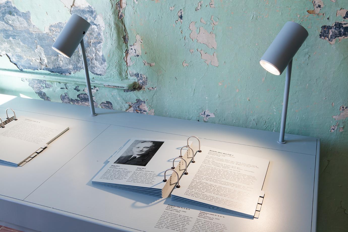 http://e-o-t.de/wordpress/wp-content/uploads/2017/04/2012_eot-Leistikow-Exhibition-10.jpg