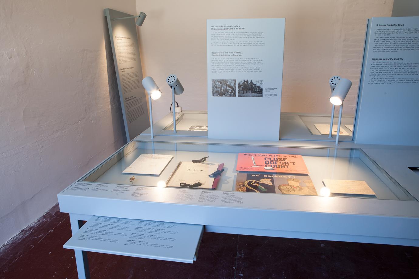 http://e-o-t.de/wordpress/wp-content/uploads/2017/04/2012_eot-Leistikow-Exhibition-8.jpg