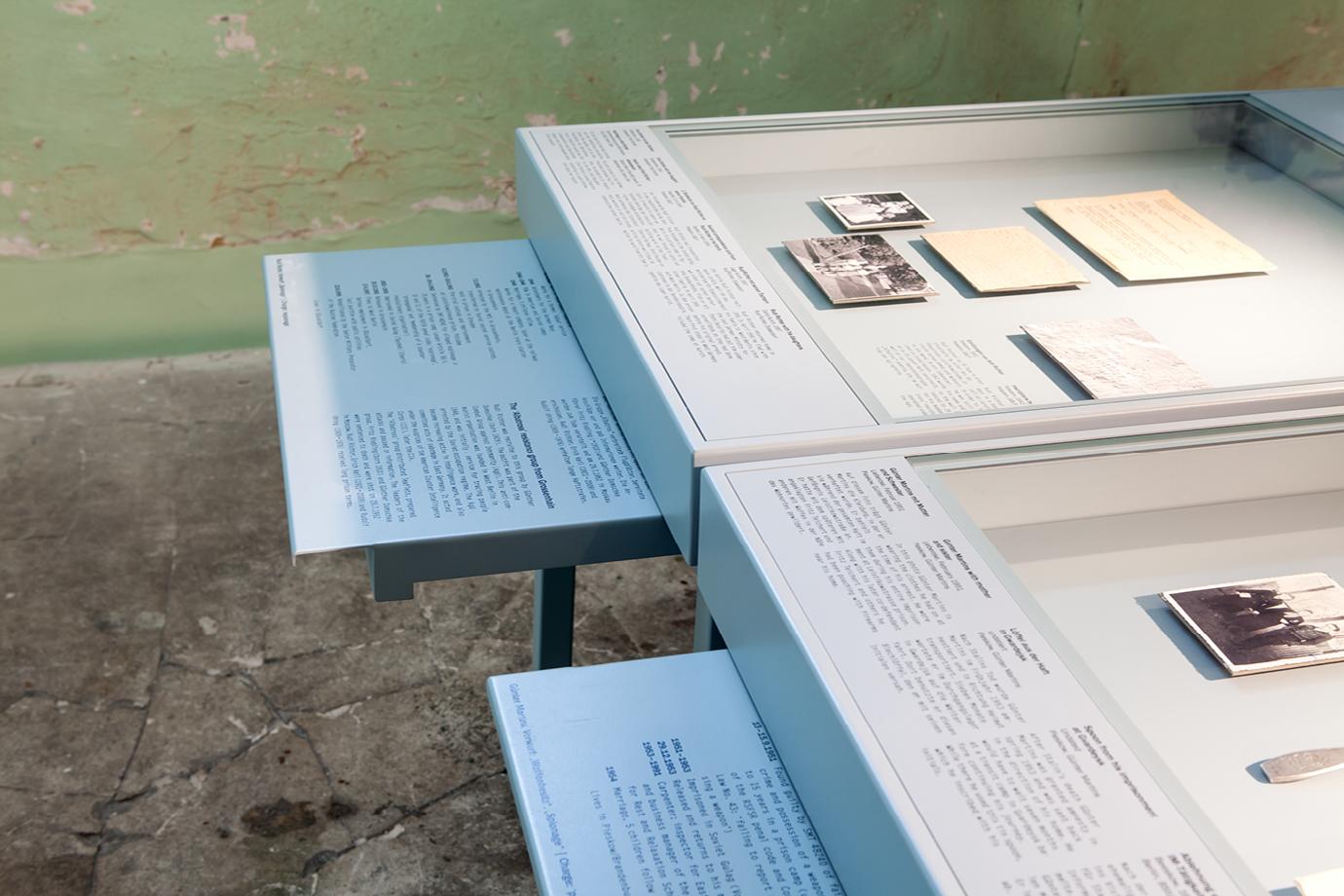 http://e-o-t.de/wordpress/wp-content/uploads/2017/04/2012_eot-Leistikow-Exhibition-9.jpg